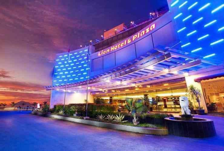 EXTERIOR_BUILDING Lion Hotel & Plaza Manado