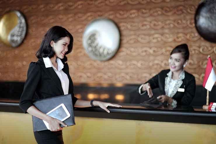 HOTEL_SERVICES LARIZ Premiere Basko Hotel Padang