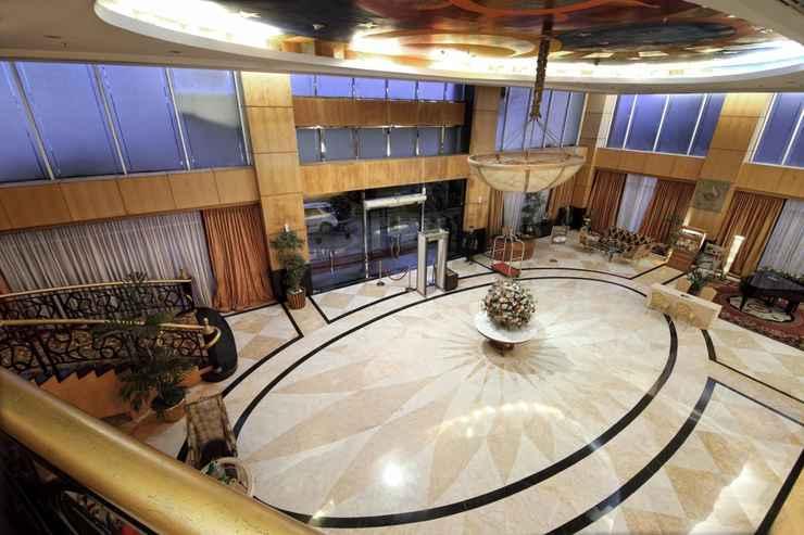 LOBBY LARIZ Premiere Basko Hotel Padang