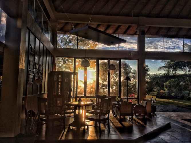 BAR_CAFE_LOUNGE d'Emmerick Salib Putih Hotel Salatiga