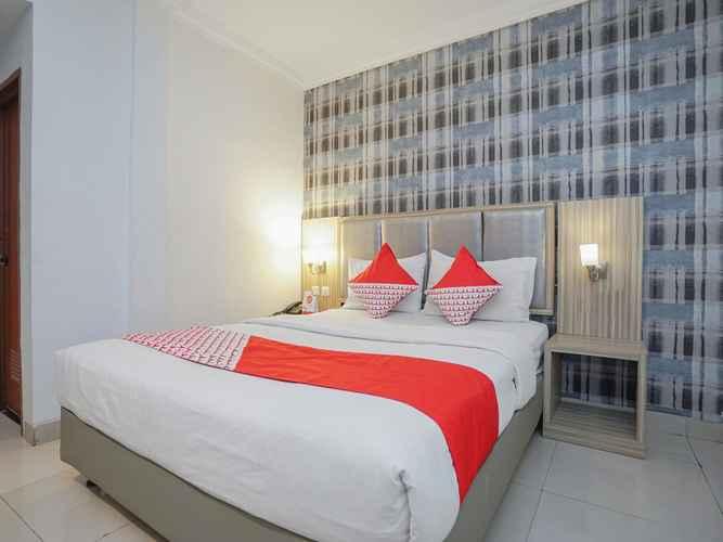 BEDROOM OYO 1282 Feodora Airport Hotel