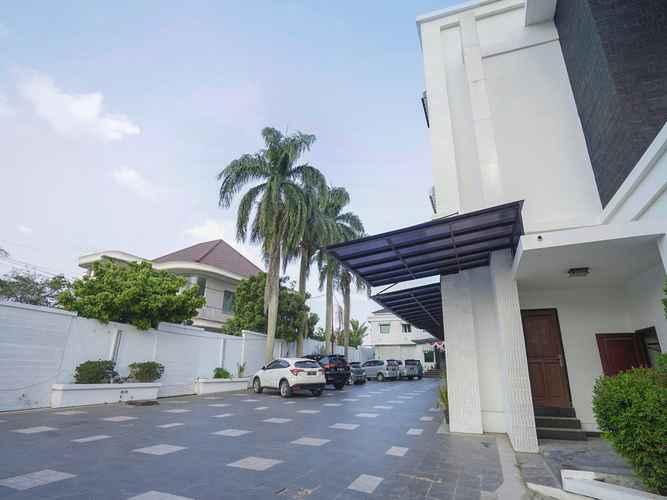 EXTERIOR_BUILDING OYO 1282 Feodora Airport Hotel