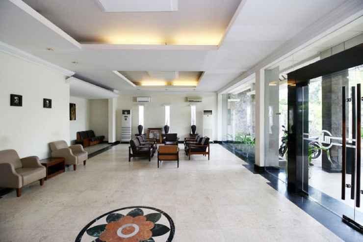 LOBBY Hotel Merbabu Semarang
