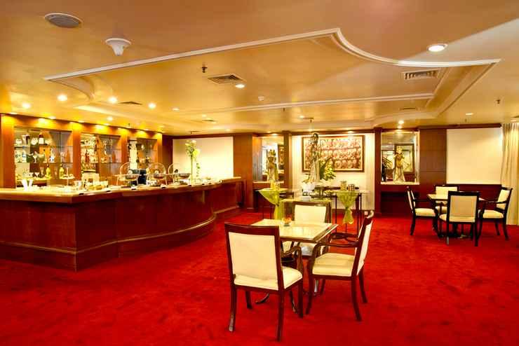 BAR_CAFE_LOUNGE Lumire Hotel & Convention Center