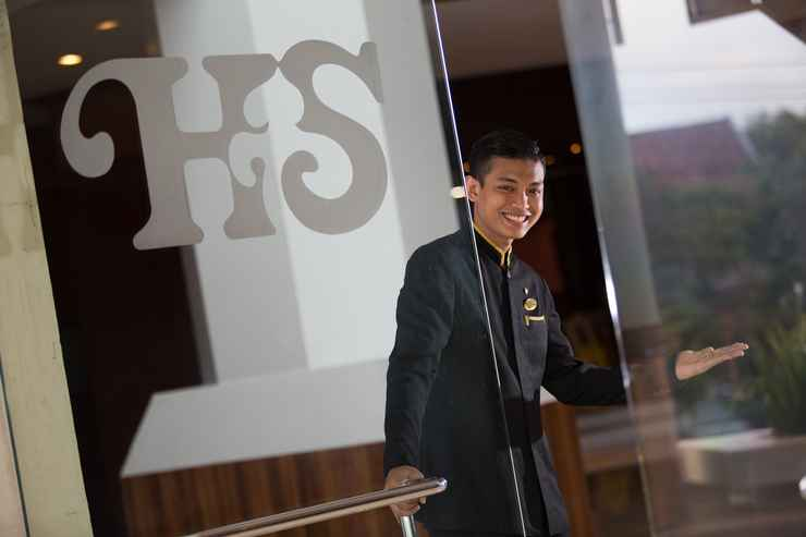 HOTEL_SERVICES Hotel Santika Premiere Semarang