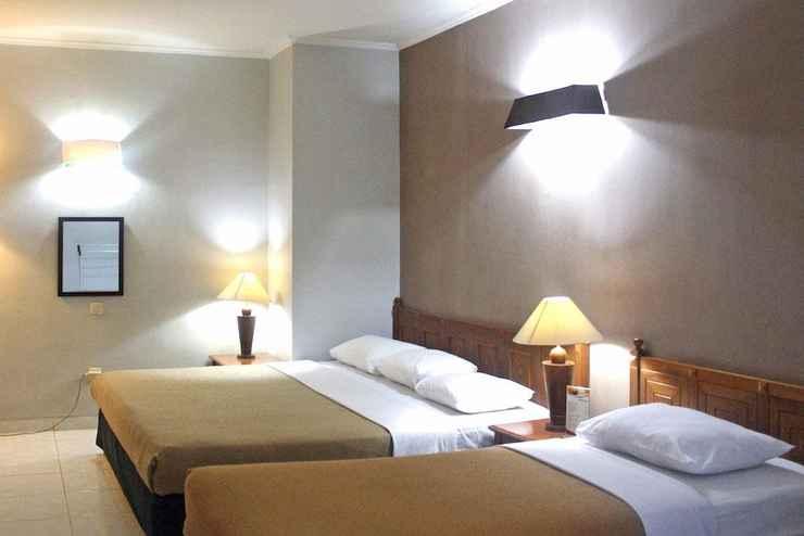 BEDROOM Hotel Winotosastro Garden