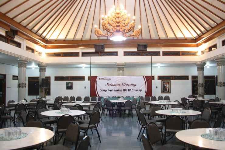 FUNCTIONAL_HALL Hotel Winotosastro Garden