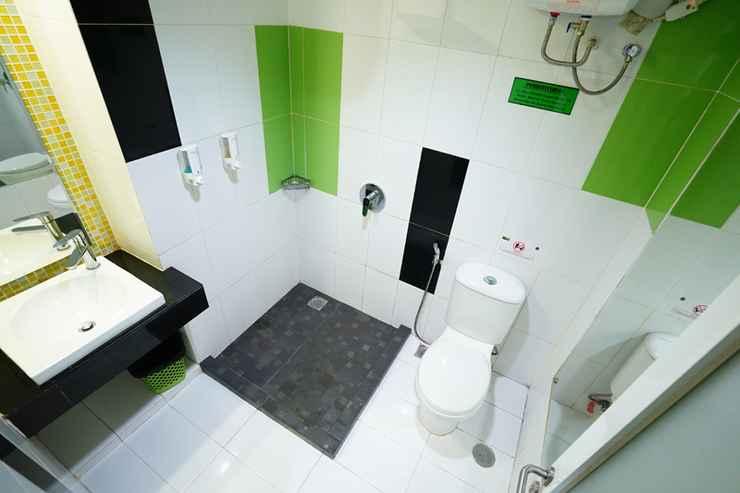 BATHROOM Save Hotel Banjarmasin