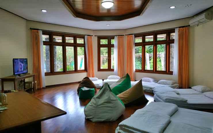 The Batu Hotel & Villas Malang - Dorm Room Entire Private Dormitory with Shared Bathroom - Mixed