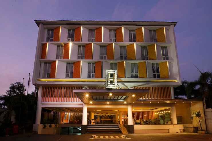 EXTERIOR_BUILDING Horaios Malioboro Hotel