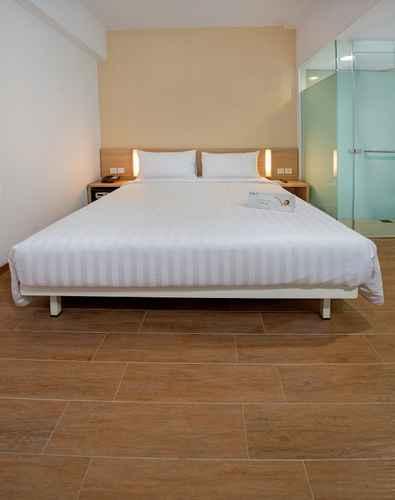 BEDROOM Whiz Prime Hotel Pajajaran Bogor