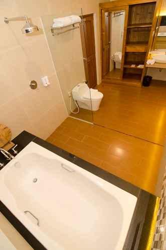 BATHROOM Syailendra Hotel Syariah