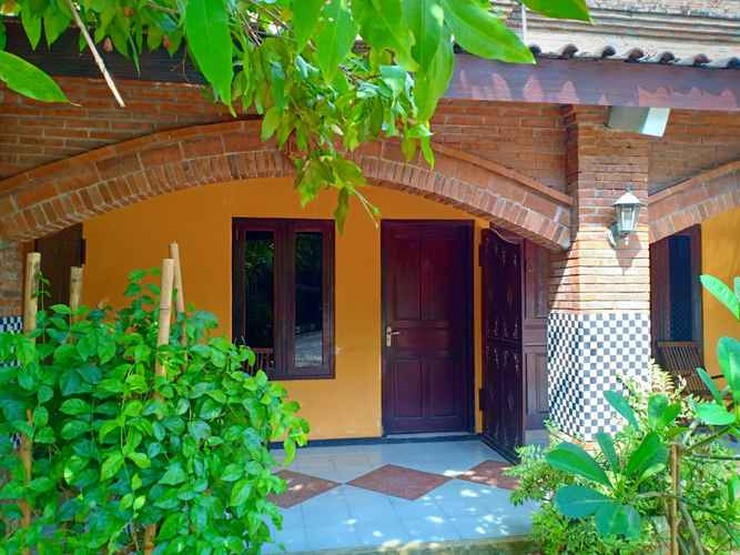 LOBBY Bandengan Beach Hotel