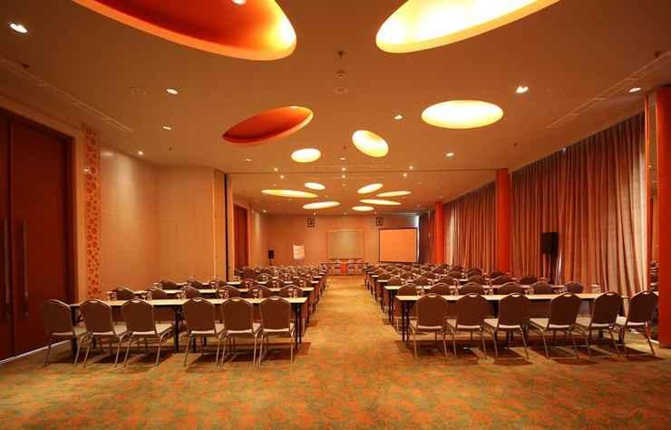 FUNCTIONAL_HALL HARRIS Hotel Sentul City Bogor