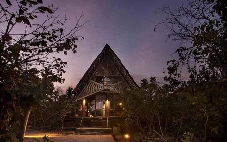 Jeeva Beloam Beach Camp Lombok - Beruga Wooden Cabin - Honeymoon package