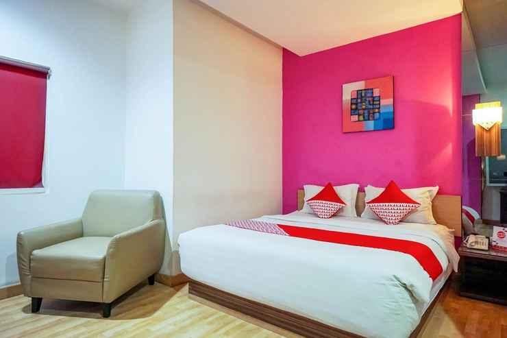BEDROOM OYO 770 De Nearby Hotel