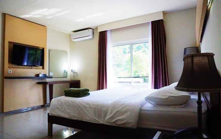 Jhoanie Hotel Tomohon - Suite Room Only