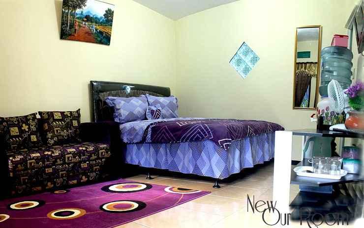Griya Sumber Rejeki Homestay Malang - Junior Suite Room