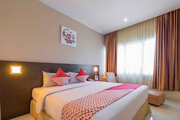 BEDROOM Capital O 1279 Hotel Grand Celino Makassar