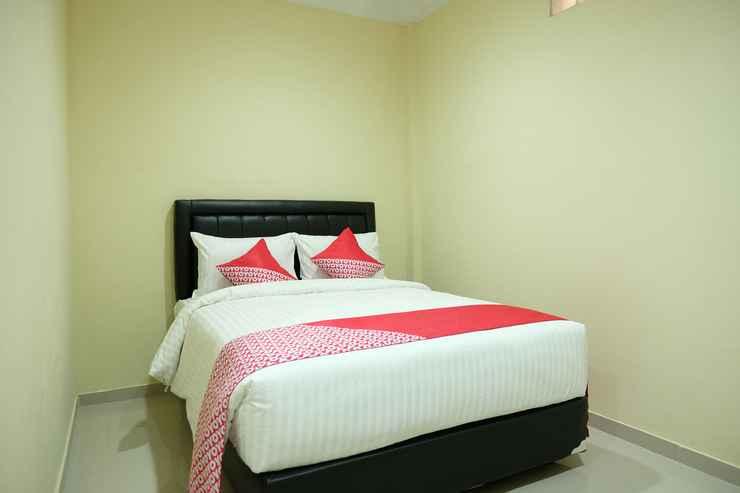 BEDROOM OYO 1149 Hotel Mustika