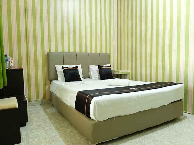 BEDROOM OYO 2186 Esbe Hotel Syariah