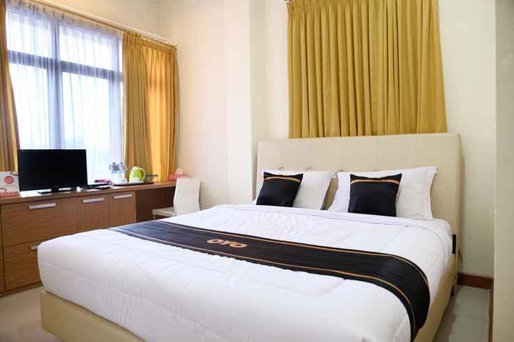 BEDROOM OYO 1612 Hotel Central City