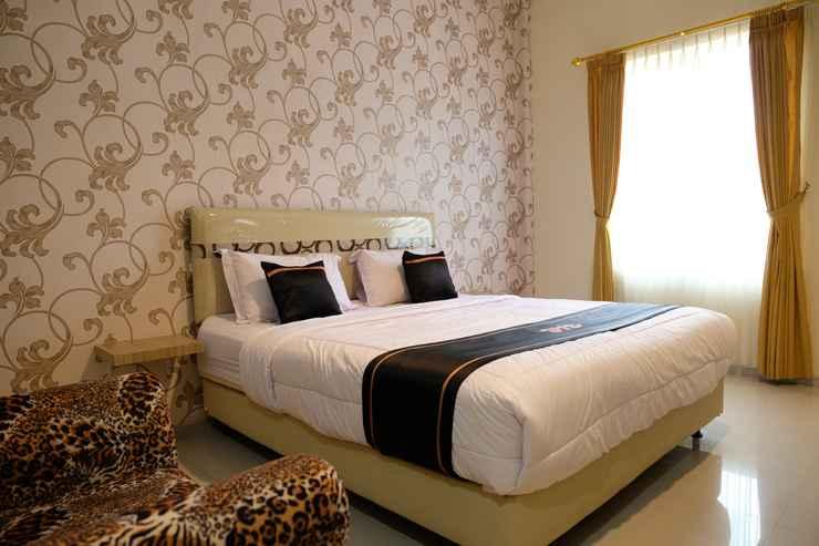 BEDROOM OYO 1616 Hotel Central City 2