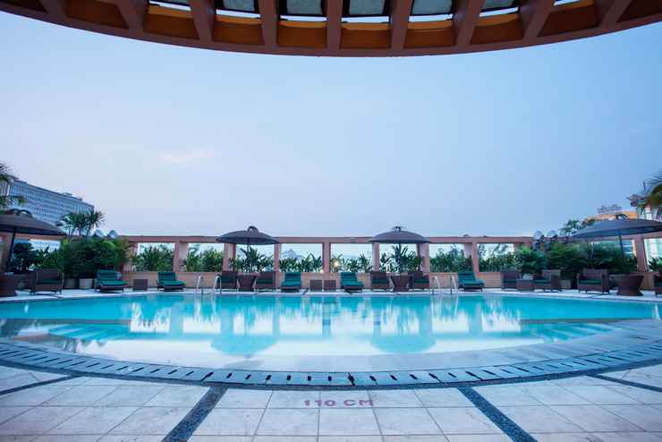 SWIMMING_POOL Hotel Ciputra Semarang managed by Swiss-Belhotel International