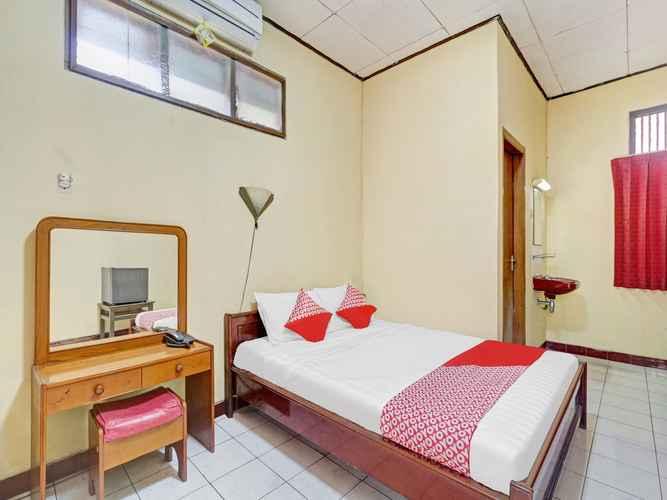 BEDROOM OYO 3101 Hotel Mutiara