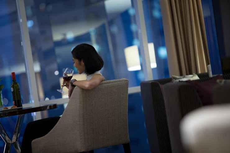 BAR_CAFE_LOUNGE Hotel Santika Premiere Hayam Wuruk Jakarta