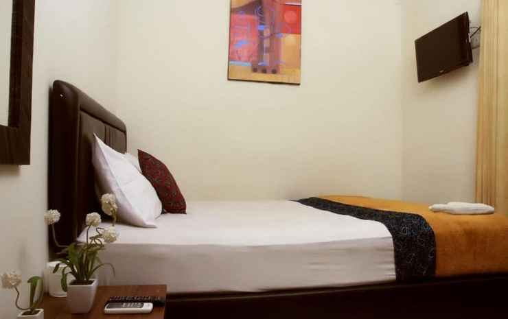 Bantal Guling Guesthouse Gatsu Bandung - Double Superior Ac - Room Only