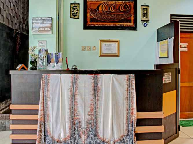 LOBBY OYO 90357 Shafwah Guesthouse Syariah