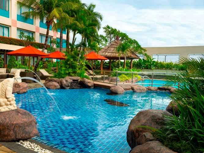 SWIMMING_POOL Hotel Ciputra Jakarta managed by Swiss-Belhotel International