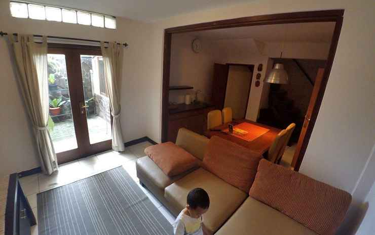 BUMI RESIK 2 BEDROOMS GUESTHOUSE Bandung - Family Suite 2 BR - Unit B