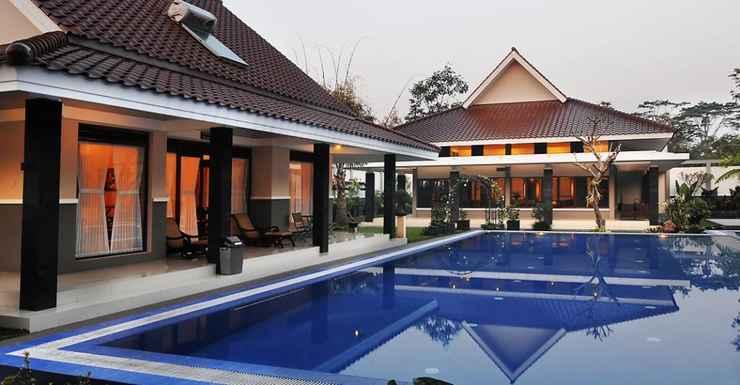 SWIMMING_POOL Griya Persada Convention Hotel & Resort Kaliurang