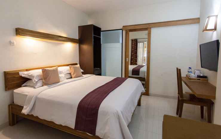 Angler Guest House Malang - Deluxe King Size or Twin Bed