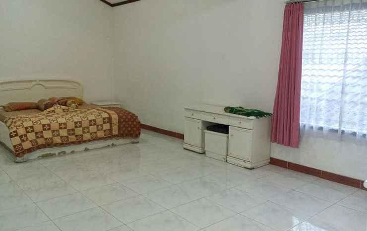 Santibi's Villa Silvi Puncak - 3 Bedrooms