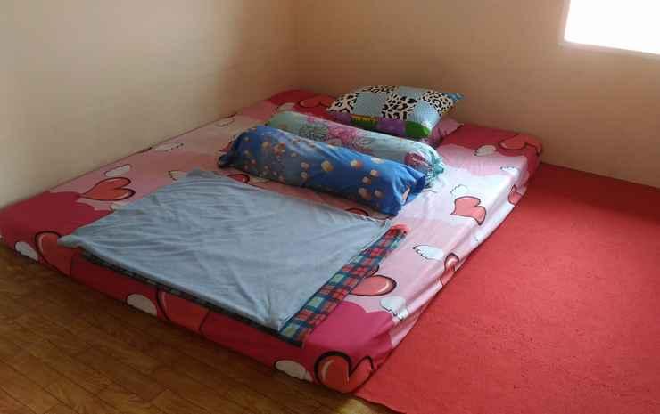 Santibi's Villa Silvi Puncak - 4 Bedrooms