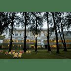 EXTERIOR_BUILDING Lone Pine Hotel