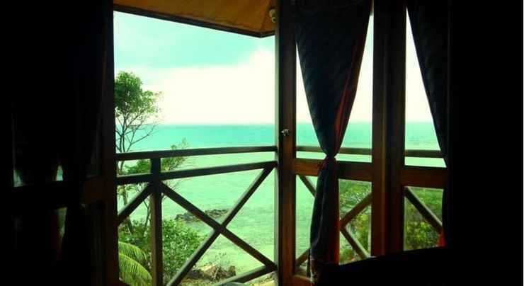 BEDROOM Breve Azurine Lagoon Retreat Karimunjawa