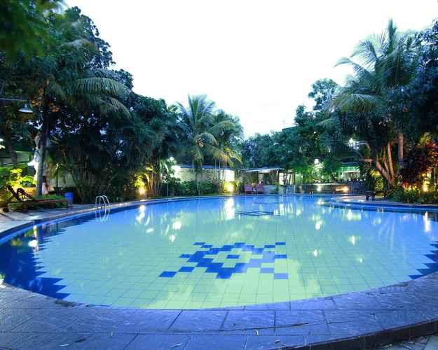 SWIMMING_POOL The Winotosastro Hotel Syariah