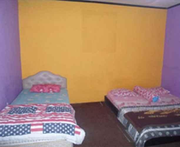 BEDROOM Homestay Flamboyan 1