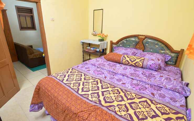Full House 2 Bedroom at Dini 2 Homestay  Malang - Two Bedroom