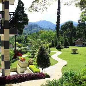 Bayak Hotel Bumdes Cipayung & Resort
