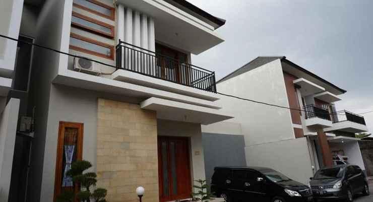 EXTERIOR_BUILDING CEMARA HOMESTAY (3BR)