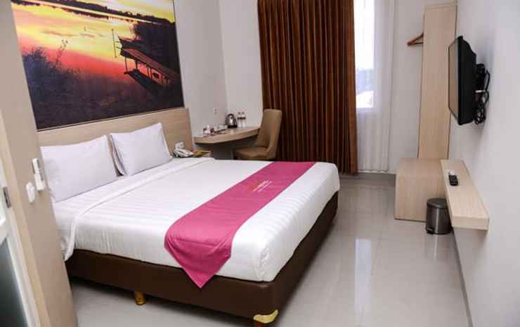 Midtown Xpress Sampit - Kalimantan Tengah Kotawaringin Timur - Groovy King Room Only
