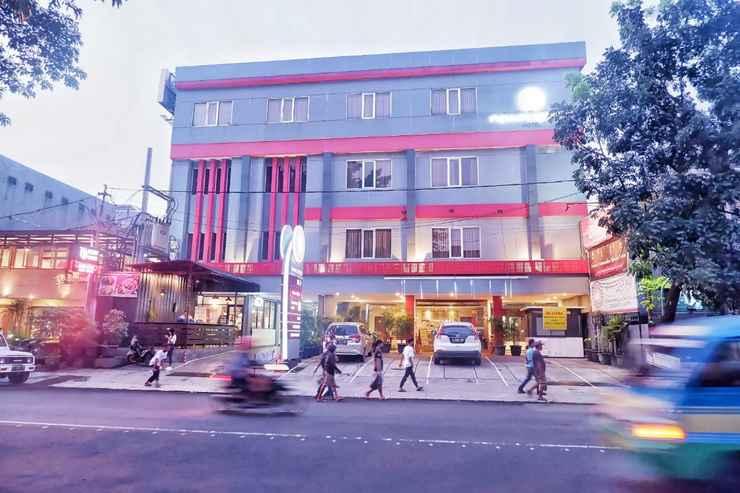 EXTERIOR_BUILDING New Moonlight Hotel