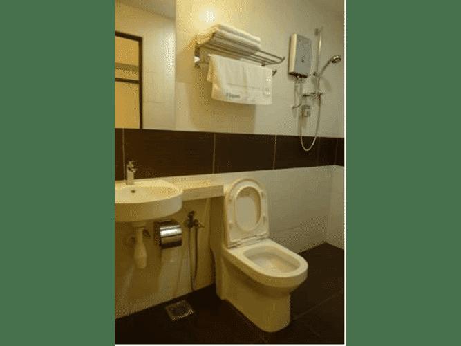 BATHROOM 9 Square Hotel - Kota Damansara