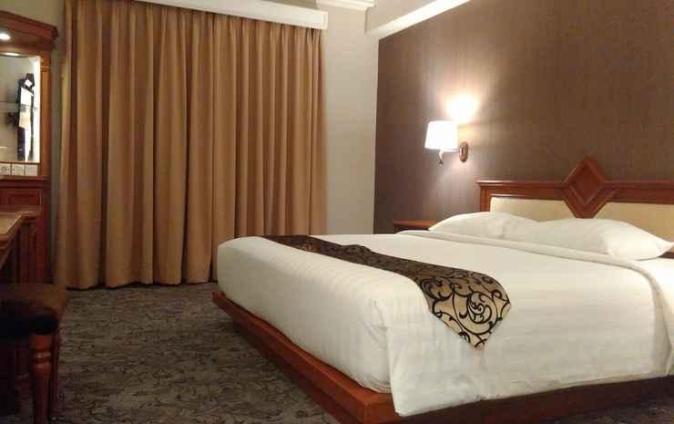 Royal Denai Hotel Bukittinggi - Deluxe King Bed