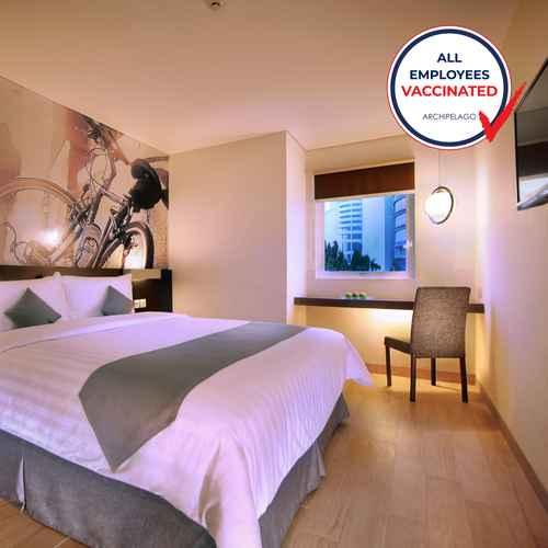 BEDROOM Hotel Neo Mangga Dua by ASTON